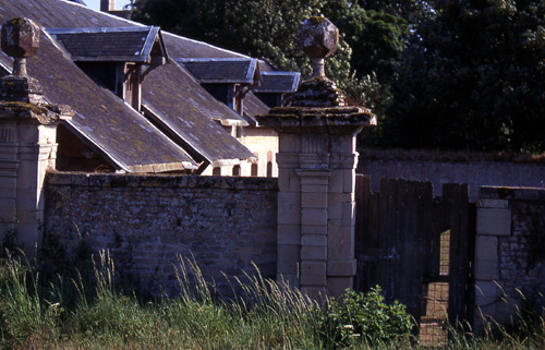 chateauwall
